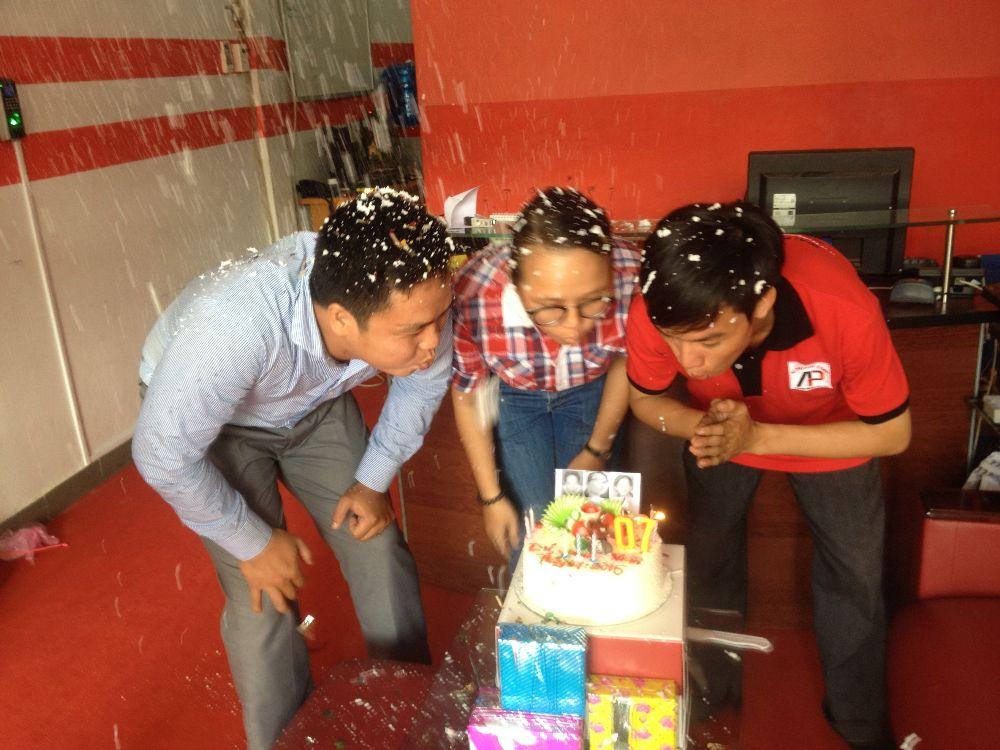 Sinh Nhật Mr Dư( TPKD) , Ms Phước ( TPHCNS) , Mr Tuấn ( Kỹ Thuật)