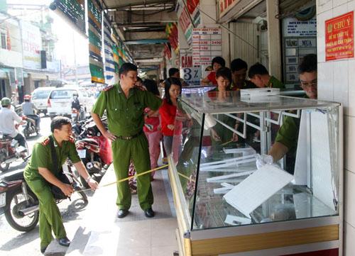 80 lượng vàng trong tiệm nữ trang ở TP HCM bị vét sạch